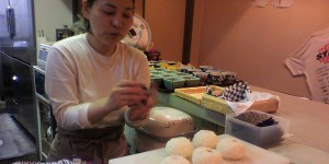 日本一のおむすびと世界一の肉じゃがのコラボ